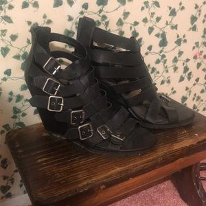 Strap wedge heels